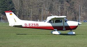 Cessna Reims F172N (D-EZSB) 02.jpg