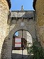 Château de Lissieu - Portail (sept 2018).jpg