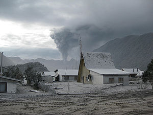 Chaitén - Following the eruption of the Chaitén volcano, a lahar destroyed much of the town of Chaitén.