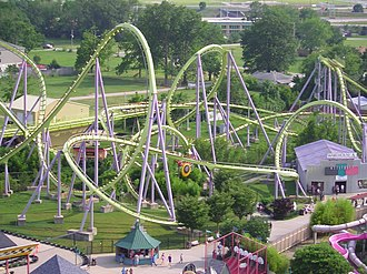 Green Lantern (Six Flags Great Adventure) - Green Lantern in 2004, when it was Chang at Six Flags Kentucky Kingdom