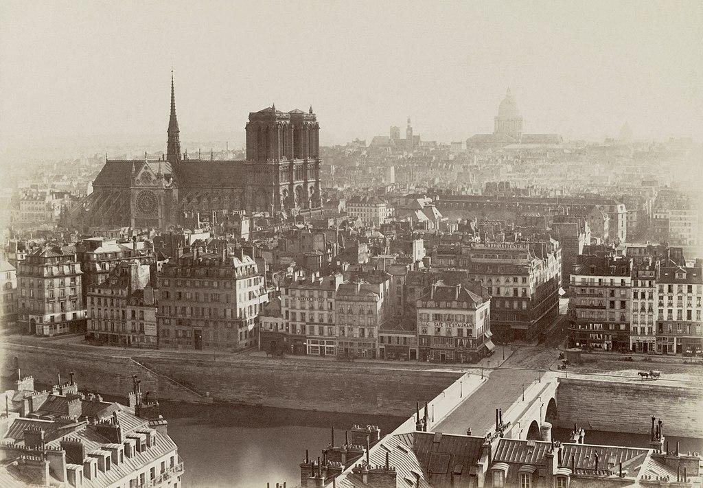 L'île de la Cité photographiée de la tour Saint-Jacques, à Paris, en 1865.  (définition réelle 5881×4082)