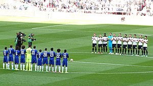 Chelsea F.C.–Tottenham Hotspur F.C. rivalry - Chelsea and Tottenham players before the FA Cup semi-final in 2017