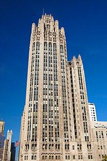 d1378e7bcc La Tribune Tower fue uno de los edificios más famosos en torno a 1920.