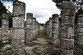 Chichen Itza las mil columnas del templo de los mil guerreros.JPG