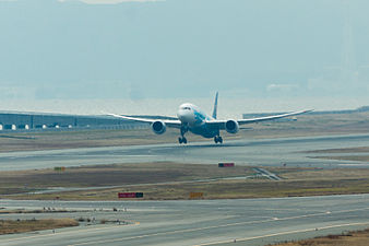 China Southern Airlines ,CZ390 ,Boeing 787-8 ,B-2736 ,Departed to Guangzhou ,Kansai Airport (16402362075).jpg