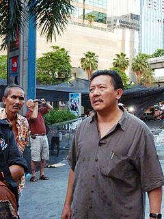 Chuwit Kamolvisit Thai politician