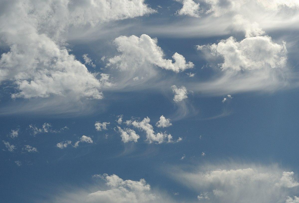 Virga Clouds Cirrus floccus — Wik...