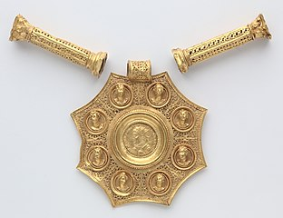 Octagonal Pendant with Corinthian Column Spacers and Clasp Set