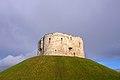 Clifford's Tower 1 (3344267501).jpg