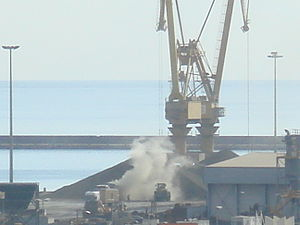 Port of Alicante - Clouds of dangerous clinker cement dust caused weekly by open air unloading in the Port.