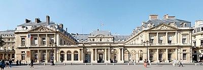 https://upload.wikimedia.org/wikipedia/commons/thumb/8/85/Conseil_d'Etat_Paris_WA.jpg/400px-Conseil_d'Etat_Paris_WA.jpg