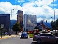 Construcción de Parques y el cerro el Ávila en Caracas, Venezuela.jpg
