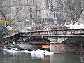 Construction works, Lahn river bridge Weidenhäuser Brücke in Marburg, Traggerüst eingebaut, Leitung gekappt 2018-04-03.jpg