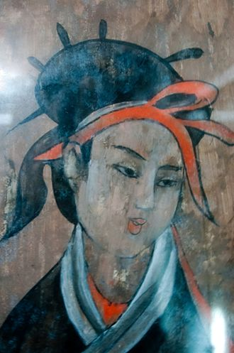 Emperor Ling of Han - Image: Dahuting tomb mural detail of a woman, Eastern Han
