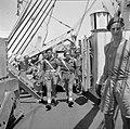 De militaire politie aan boord van de Sainfoin varend tussen Malakka en Indonesi, Bestanddeelnr 255-8227.jpg