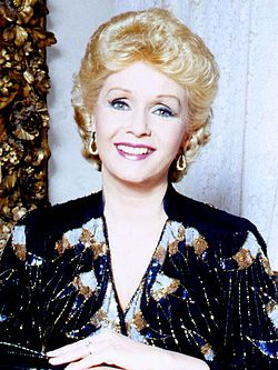 Debbie Reynolds 6 Allan Warren (cropped).jpg