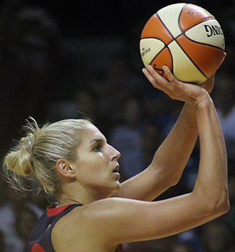 Elena Delle Donne - Delle Donne shooting a free throw in 2017