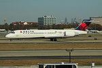 Delta N991AT Boeing 717-200 (29961873836).jpg