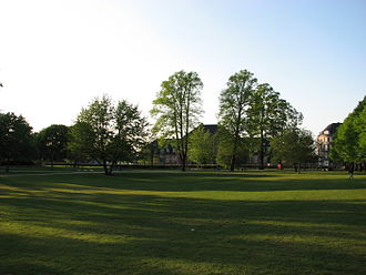 King's Garden (Odense) - The King's Garden from the north and the old railway station building