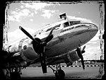 Douglas DC-3 (001732) (2).jpg