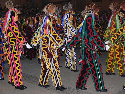 Tanzende Narren (Dr Bolones Narrenzunft Schömberg VSAN-Landschaftstreffen Weingarten 2006 (Schwäbisch-alemannische Fastnacht))