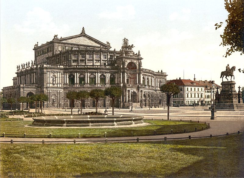 فایل:Dresden Semperoper 1900.jpg