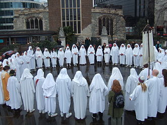 Druidry (modern) - The Druid Order Ceremony at Tower Hill, London on the Spring Equinox of 2010