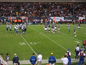 2008 Chicago Bears season - The Bears defense and Eagles offense head to the line of scrimmage