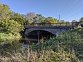 Eastern Avenue bridge over River Roding.jpg