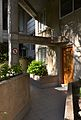 Edifici Espai Verd de València, entrada a una casa.JPG
