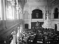 Eduskunnan istuntosali (1907-10) VPK-n talossa, Hakasalmenkatu 3 (=Keskuskatu 7). - N4009 (hkm.HKMS000005-km00320s).jpg