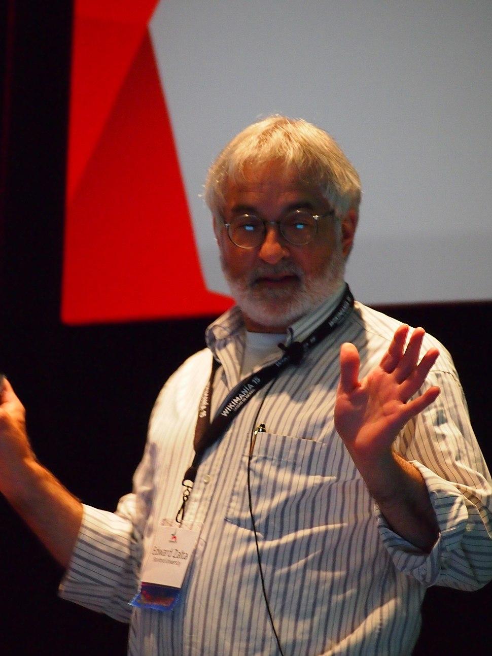 Photograph of Zalta speaking at Wikimania 2015