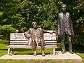 Eger – Érsekkert – Bródy–Gárdonyi Statue 02.jpg