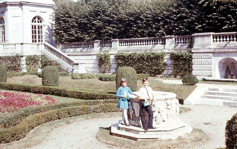 File:Elms Mansion gardens, 1968.jpg