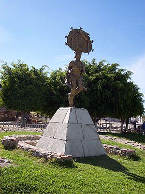 Dancer statue in the main park of Cuilapam de ...