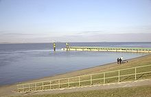 Estuary mouth Weser Bremerhaven.JPG