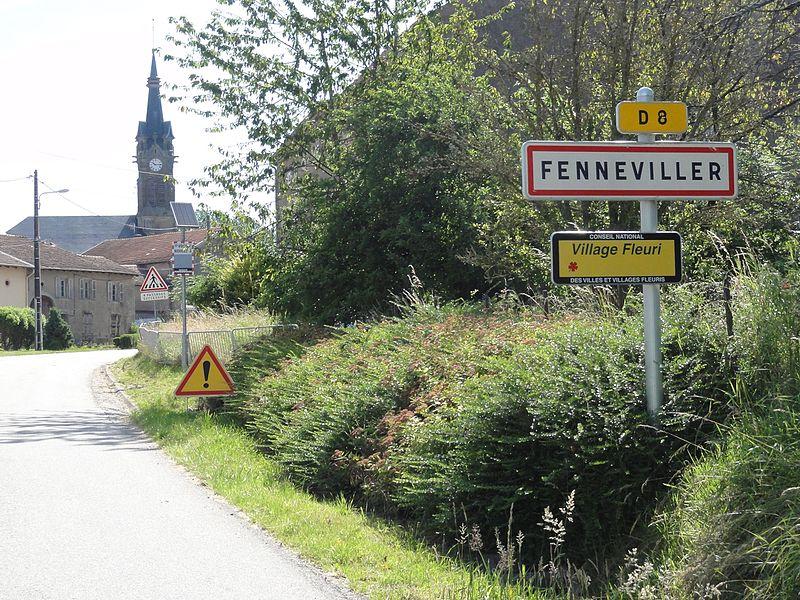 Fenneviller (M-et-M) city limit sign