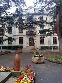 Ferney-Voltaire (01) - Mairie.JPG