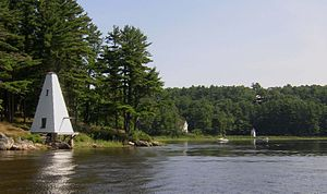 Doubling Point Range Lights - Image: Fiddlers Reach Maine Sound Signal with Range Light