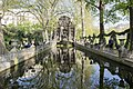 Fontaine Medicis (39013599231).jpg