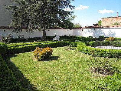 Gardens of the House of Baha'u'llah in Edirne.jpg