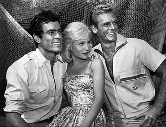 Adventures in Paradise (TV series) - Gardner McKay, guest star Susan Oliver, and Guy Stockwell (1961)
