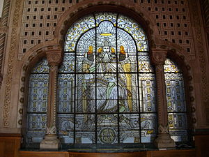 Gare de Metz-Ville - The station's stained-glass depiction of Emperor Charlemagne (1908).