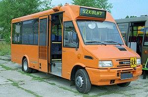 follandose al conductor del bus escolar