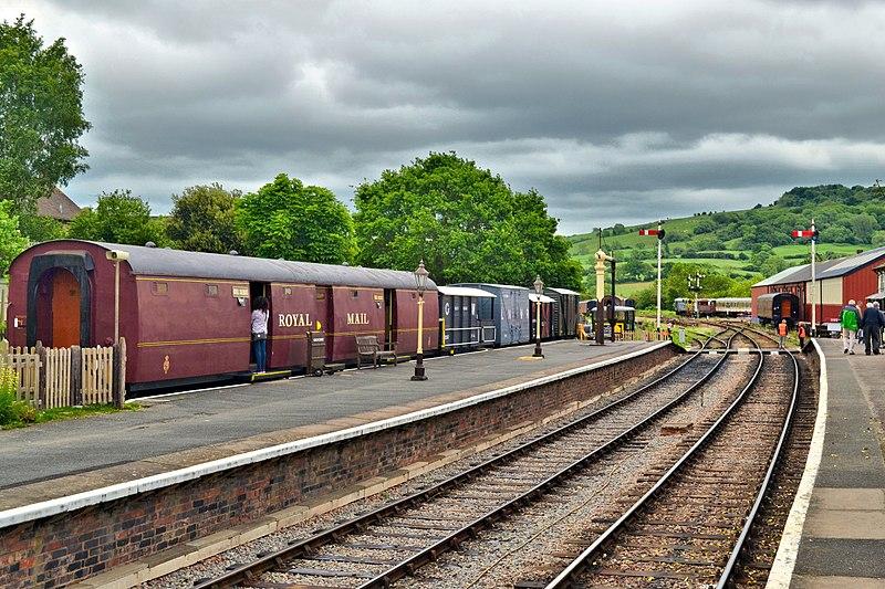 File:Gloucestershire Warwickshire Railway (GWR) (40244400341).jpg