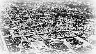 "Carlos Herrera - 1917-18 earthquakes: the Cathedral no longer has towers, the ""Cardboard Palace"" is built where the colonial Royal Palace used to stand and the old colonial City Hall has disappeared and in its place a Chinese Palace was built."