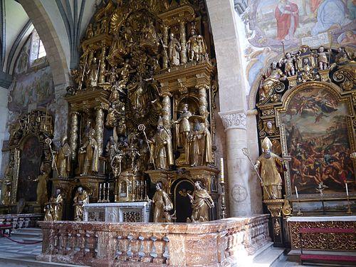 Gurk Dom Maria Himmelfahrt Innen Hochaltar 4.JPG