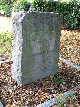 """Rodney """"Gipsy"""" Smith - The grave of Polly and Cornelius Smith in St Nicholas churchyard in Norton"""