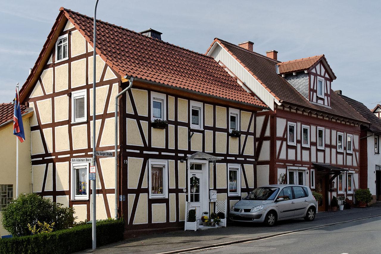 datei haeuser marburger strasse 19 und 21 in kirchhain anzefahr von wikipedia. Black Bedroom Furniture Sets. Home Design Ideas