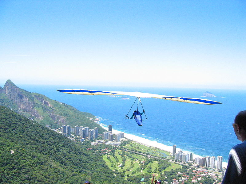 By Jordan Fischer from Chicago (Hang gliding over Barra) [CC-BY-2.0 (http://creativecommons.org/licenses/by/2.0)], via Wikimedia Commons